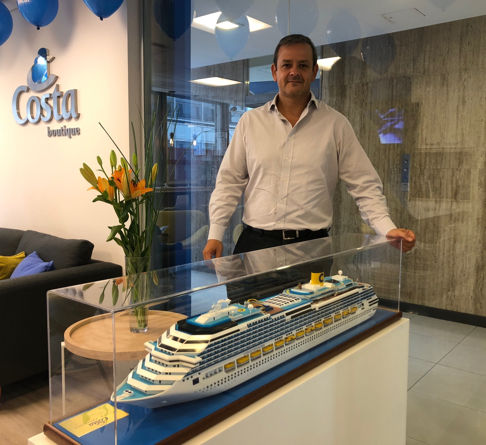 Maximiliano González, Gerente Comercial de Costa Cruceros en Argentina