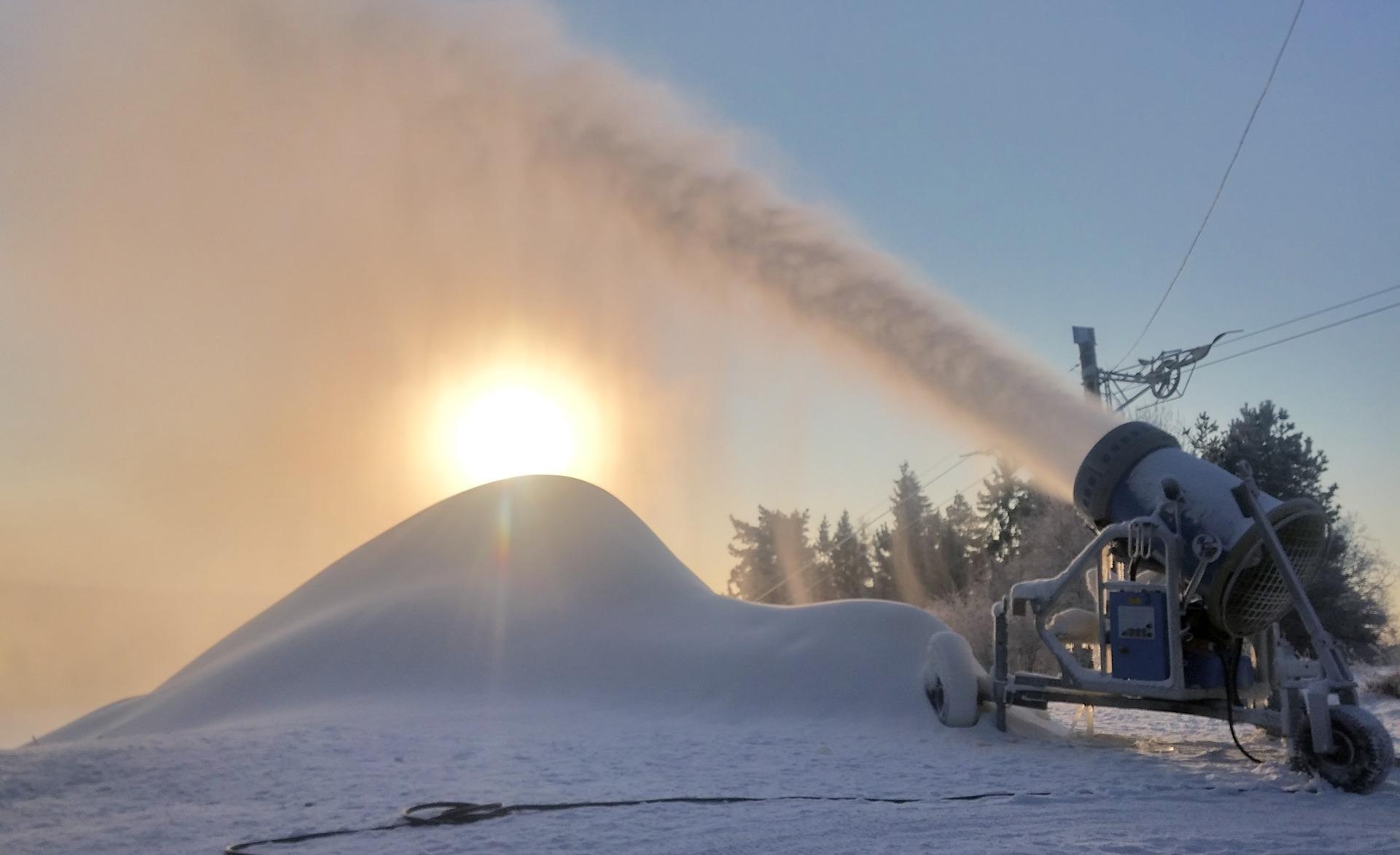 Artificial o natural: habrá nieve sí o sí en Catedral este año