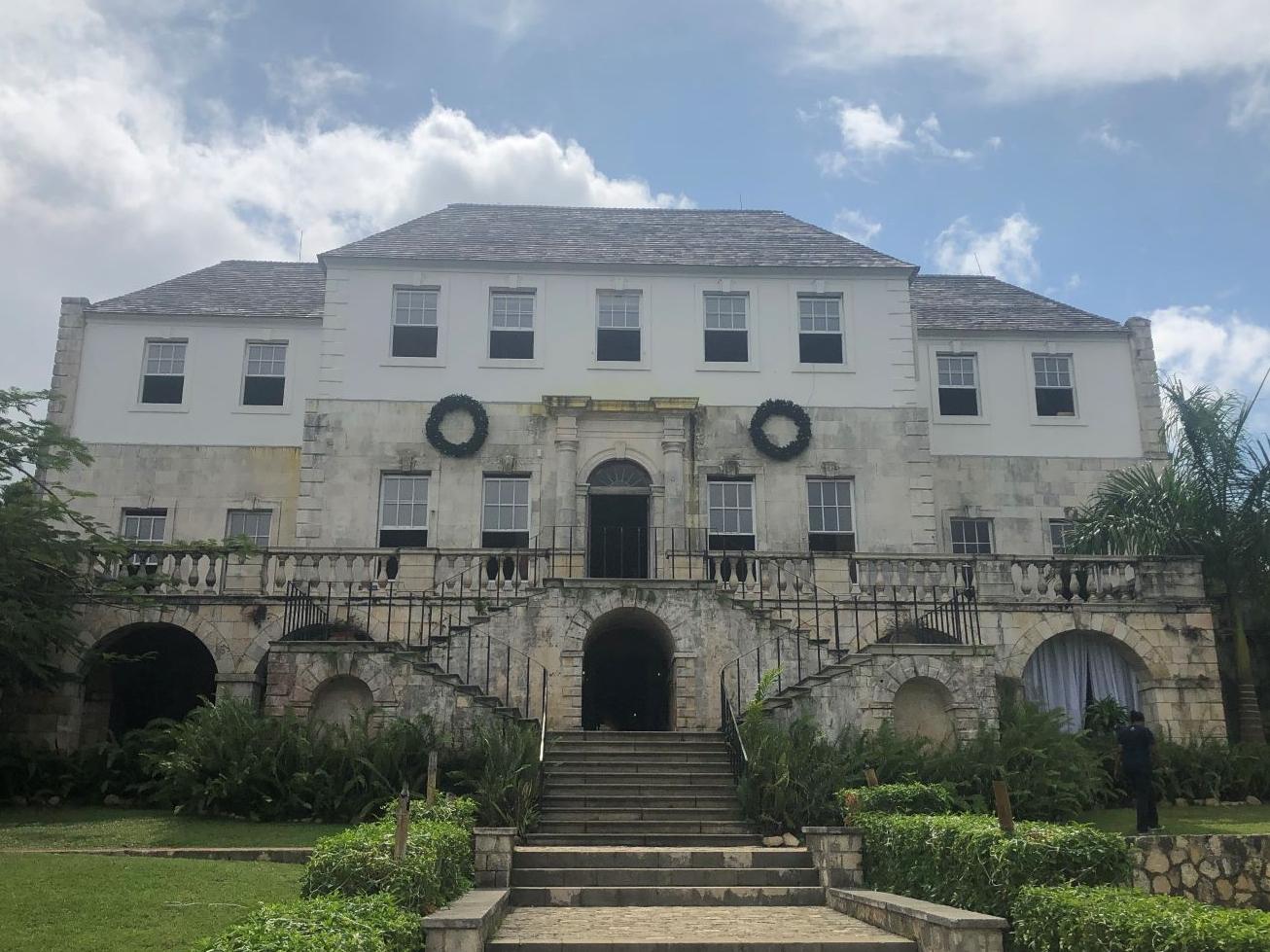 Una de terror en una mansión de Jamaica