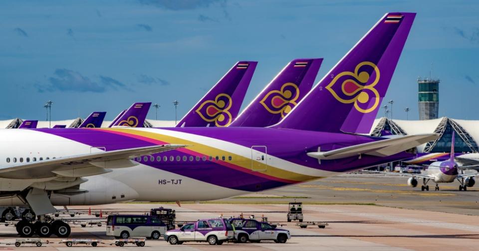 Thai Airways, en problema, deja de ser estatal