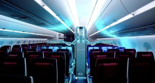 En Qatar Airways sanitizan aviones con rayos ultravioletas