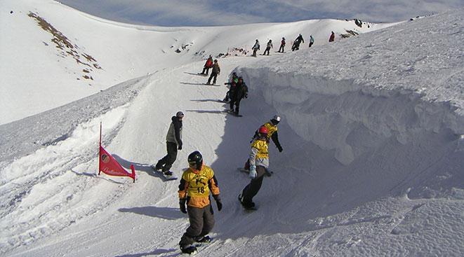 Nieve en el centro de esquí de Esquel
