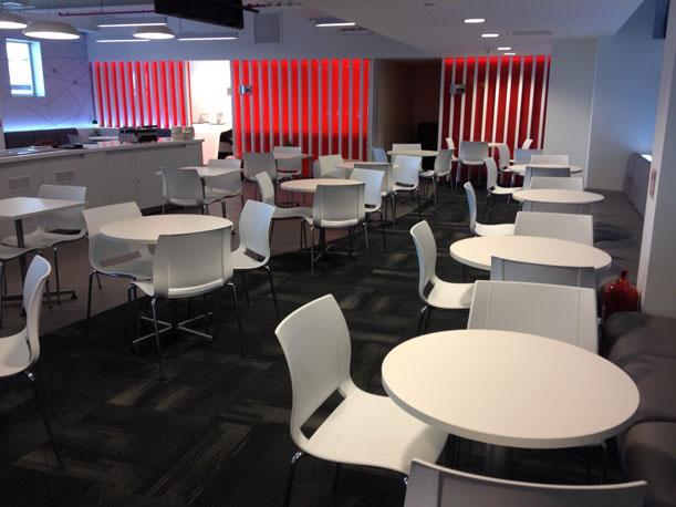Inauguró sala VIP en el aeropuerto de Santiago de Chile