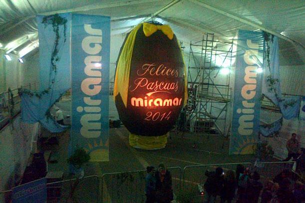 Huevo gigante y IIº Bienal de Arte enMiramar