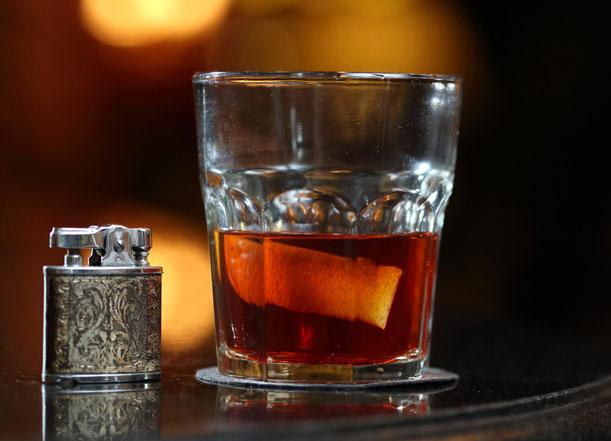 Cocktails vintage y tragos con historia en el Café Arroyo