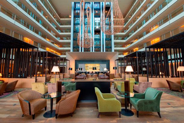 El hotel porteño presenta un lobbyrediseñado y dos nuevos espacios gastronómicos