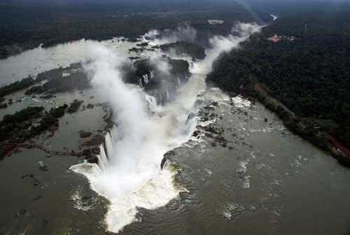 Habrá vuelos directos entre Iguazú y España