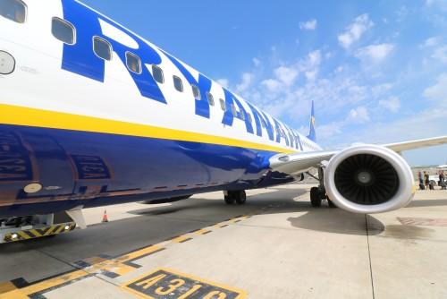 Ryanair factura también las valijas de cabina