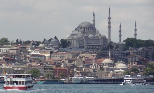El nuevo aeropuerto de Estambul está demorado