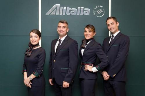 Nuevos uniformes de Alitalia by Alberta Ferretti