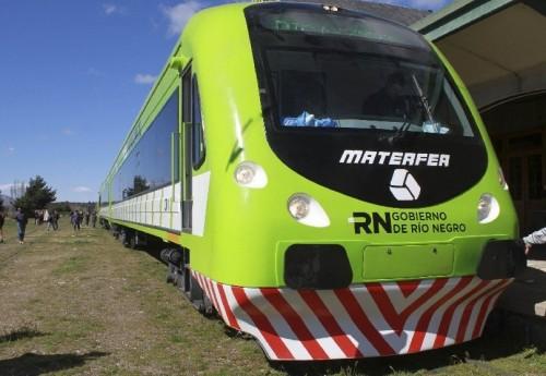 En tren de Las Grutas a Bariloche
