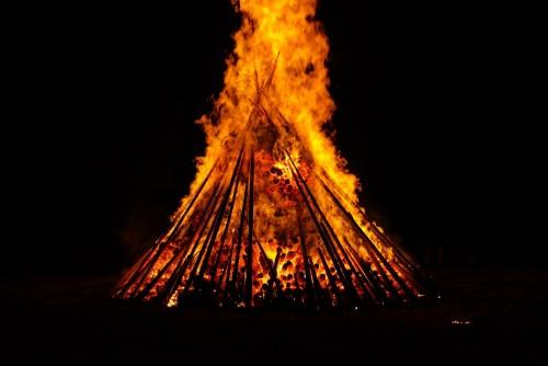 San Juan: el fuego del día más largo del año
