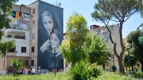 En Nápoles: un mural inspirado por l'Amica Geniale