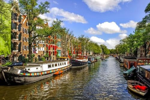 KLM empieza a cancelar vuelos cortos