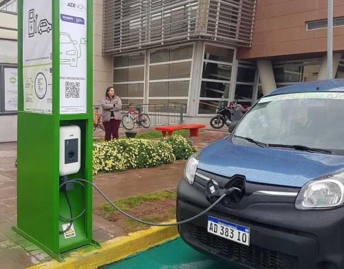 Se podrán cargar autos eléctricos en Neuquén