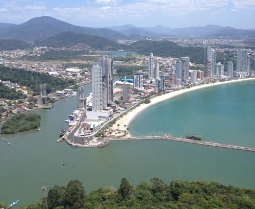 BR 101: un viaje en auto por las costas de Brasil