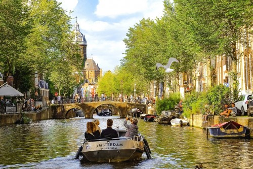Amsterdam cobrará un impuesto adicional a los turistas