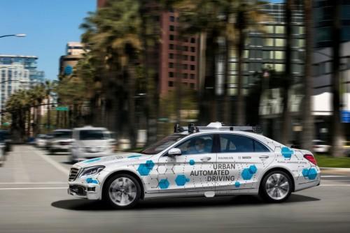 En California circulan los primeros taxis robot
