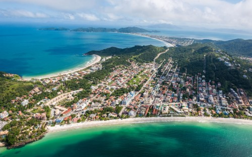 Flybondi vuela low-cost a Florianópolis