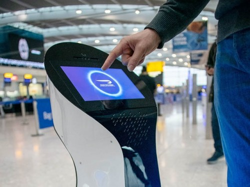 Un robot de British Airways te ayuda en Heathrow