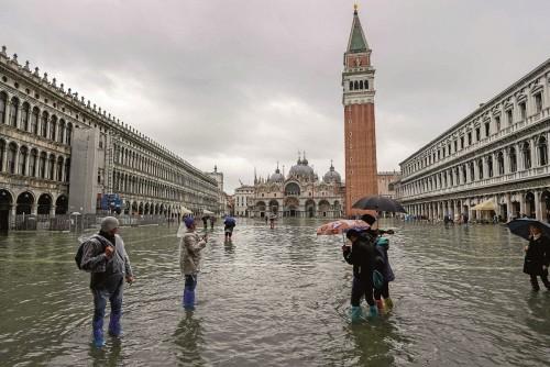 Protegerán San Marco de las inundaciones con placas de vidrio