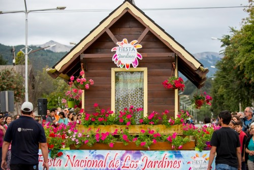 Villa La Angostura organiza la Fiesta de los Jardines