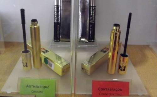 La falsificación se exhibe en París