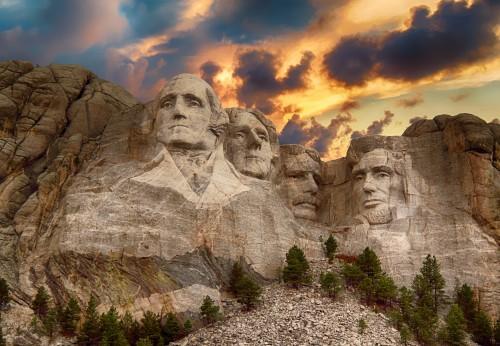 Durante la cuarentená: caminá frente al Monte Rushmore