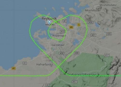 Icelandair dibujó un corazón en el cielo