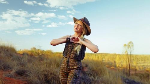 Qué pasa con la campaña de promoción con Kylie Minogue
