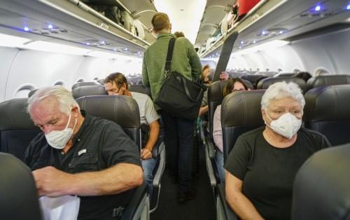 Porque es indispensable llevar una máscara a bordo de los aviones