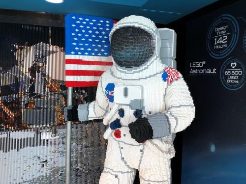 Un astronauta hecho de Legos