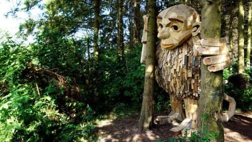 En los bosques de Køge: gigantes de madera