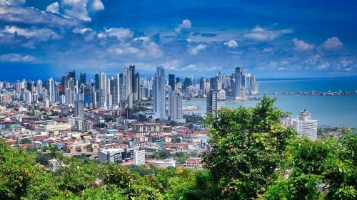 Panamá reabre sus fronteras