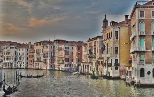 Venecia posterga la implementación de su tasa turística