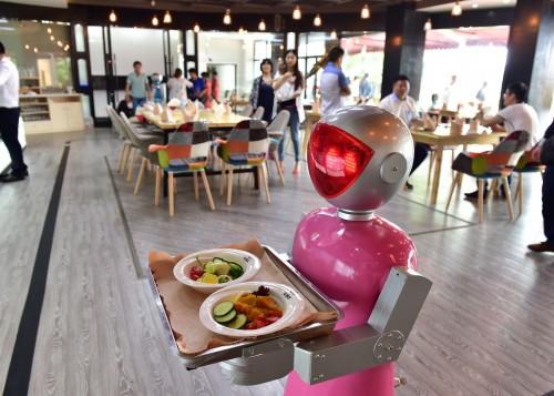 Abrieron un restaurante atendido exclusivamente por robots en China