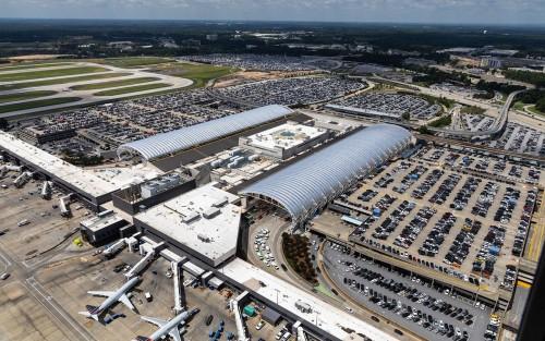 Los aeropuertos y las aerolíneas de mayor tránsito en 2020