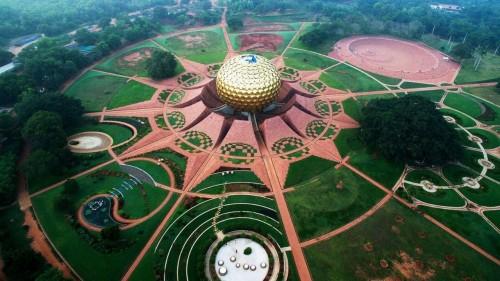 Auroville: el lugar más utópico del mundo cumplió 50 años