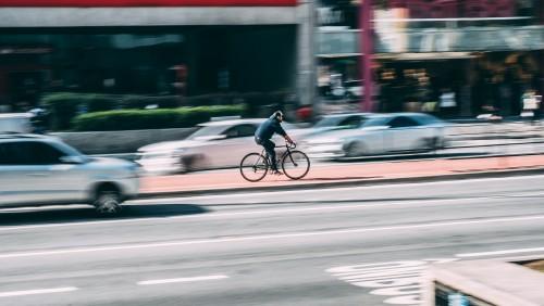Consejos y tendencias para desplazarse en bici con Google Maps