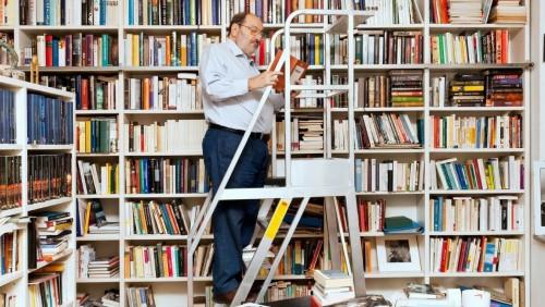 Una visita a la fabulosa biblioteca de Umberto Eco