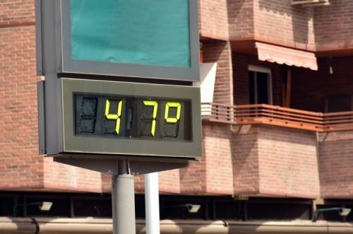 ¿Dónde es mejor afrontar las olas de calor y frío, en las ciudades o en los pueblos?