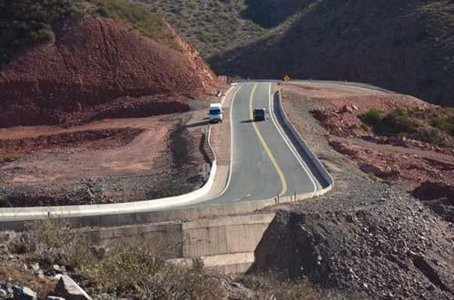 Mejoras viales sobre la ruta panorámica que cruza las sierras riojanas
