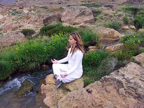 """""""Copahue medita"""", al pie de la Cordillera"""