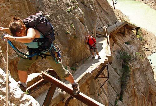 El camino más peligroso del mundo ha sido reabierto, en España
