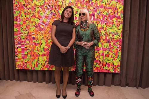 El hotel inaugura su segunda exposición de arte junto a Marta MInujin