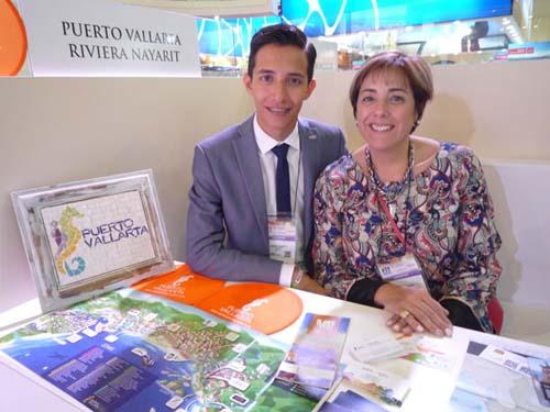 Verónica Brizuela, Gerente de Ventas de MP Reps yJesús Langarica, Coordinador de Promoción