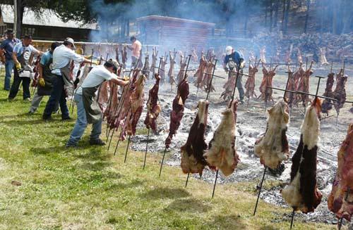 Decenas de fiestas durante el verano en el sur de la Argentina