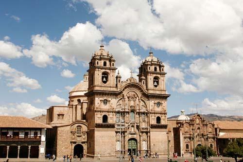 El fervor de Semana Santa en Cuzco