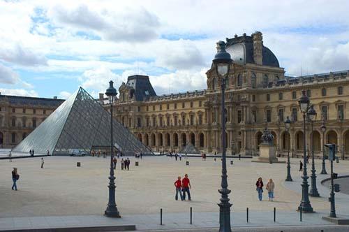 Una visita al Louvre, el museo más popular del mundo